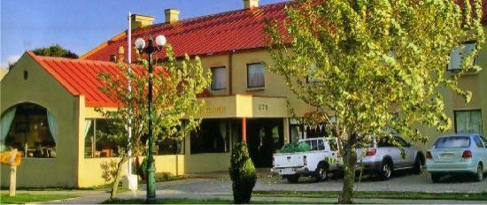 Hotel Martin Gusinde: Frontis Hotel
