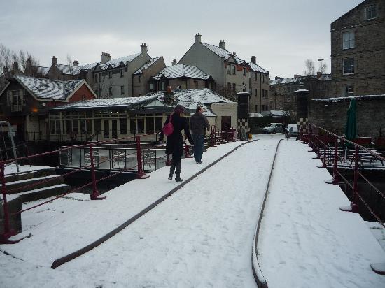 Wallace's Arthouse Scotland: Snow in Leith