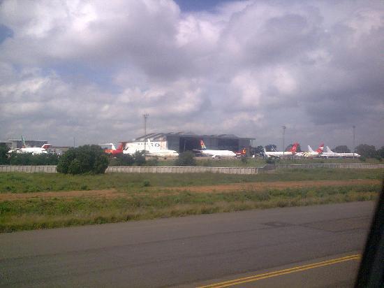 Johannesburg Aeropuerto O R Tambo aviones de todos los paises