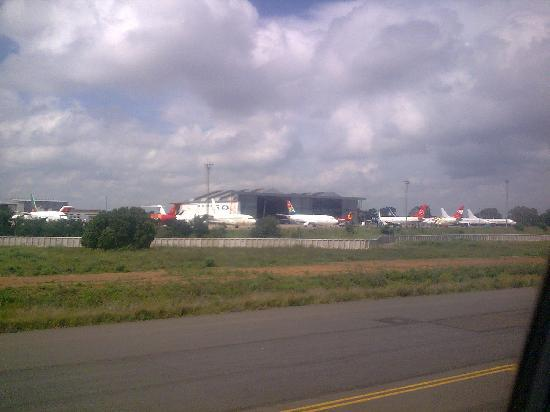 Greater Johannesburg, South Africa: Johannesburg Aeropuerto O R Tambo aviones de todos los paises