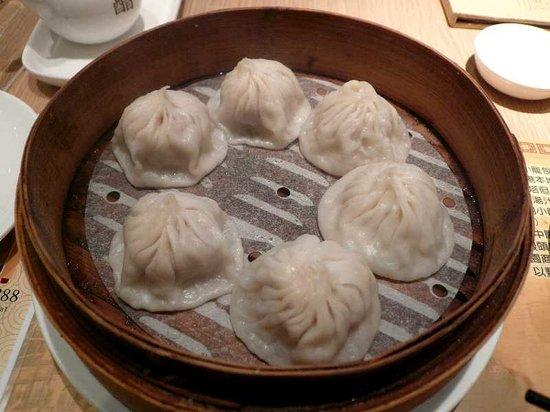 Nanxiang Steamed Bun Restaurant: 鮮肉小籠