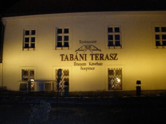 Tabani Terasz: facciata