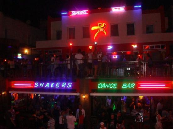Parkim Ayaz Otel: View from one of the bars on Gumbet strip