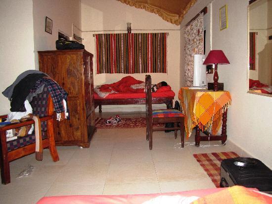 Chambal Safari Lodge: inside the triple cottage