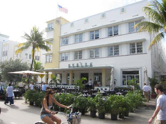 Avalon Hotel Front Of 1