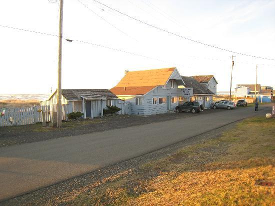 Moclips, WA: Arriving and view from the street