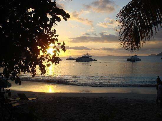 Myett's Garden Inn: typical cane garden bay sunset - awesome