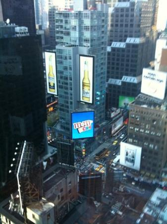 not the best view but doubletree times square 25th floor. Black Bedroom Furniture Sets. Home Design Ideas