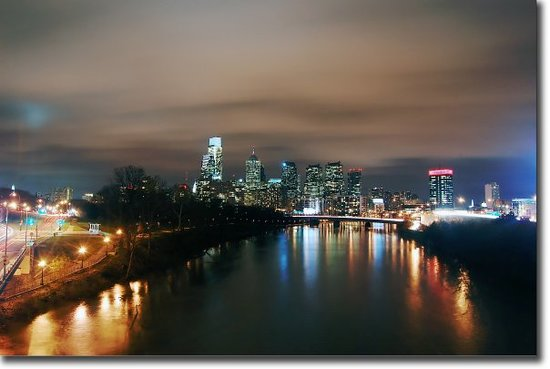 Filadelfia, PA: Skyline from the Spring Garden bridge