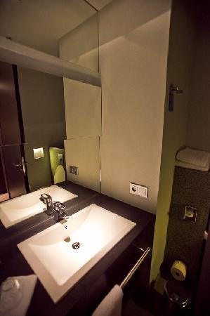 Badezimmer - Bild von Radisson Blu Hotel Köln, Köln - TripAdvisor