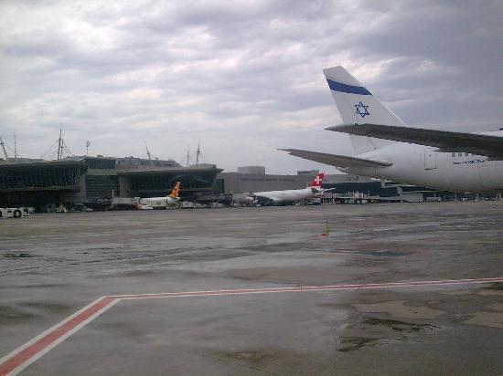 South Africa: Sudáfrica Zambezi Airlines con cola de Jirafa
