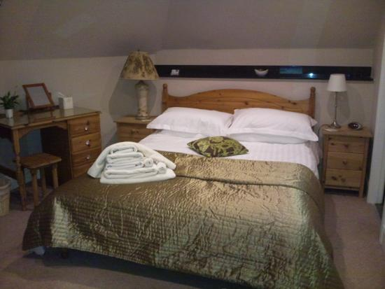 Eastbourne Guest House: Room 7 bed