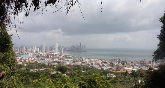Skyline van Panamastad vanaf Ancon Hill