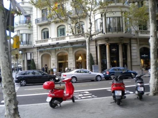 Restaurants Near Majestic Hotel Barcelona
