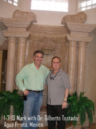 Agua Prieta, México: Dr. Gilberto Tostado`s Dental Office. My Dentist of 13 years.