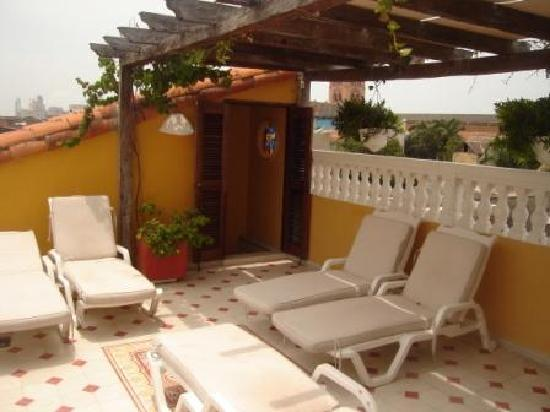Casa La Fe - a Kali Hotel: The pool deck upstairs on the roof