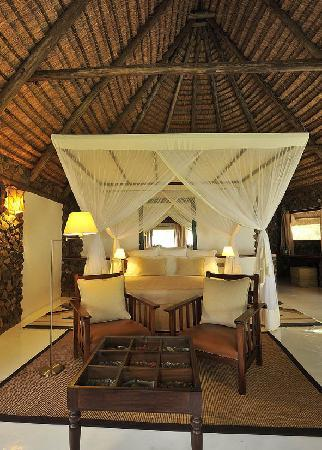 Rusinga Island Lodge: Cottage interior