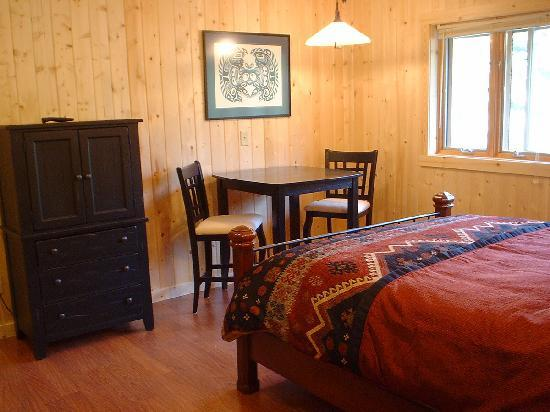 Cable Nature Lodge: Chequamegon guest room