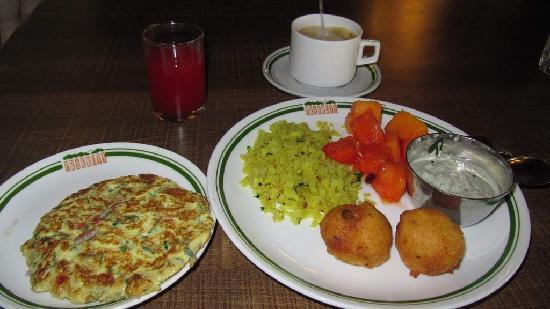 Prakruti Resort: breakfast