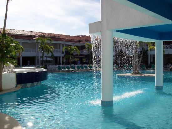 Hotel Beach House Playa Dorada: Pool