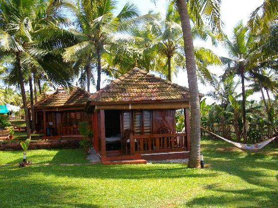 Blue Water Beach Resort: our bungalow