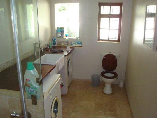 139 Empire Avenue: 2nd Toilet & Shower