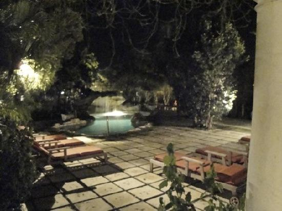 A Stone's Throw Away: awesome grotto pool