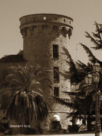 Vasto, Italie : Il castello.