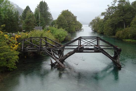 Villa La Angostura, Argentine : antigüo puente del Correntoso