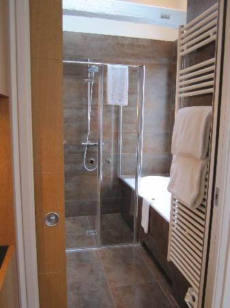 Hotel Le Six: Junior Suite Bathroom - large fantastic shower, double sink vanity, full size tub, towel warmer