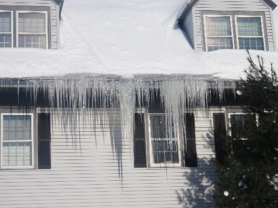 Essex, VT: Icicles