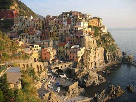 Manarola, Italië: Manorola, Italy (Cinque Terre)