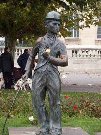 卓别林雕像