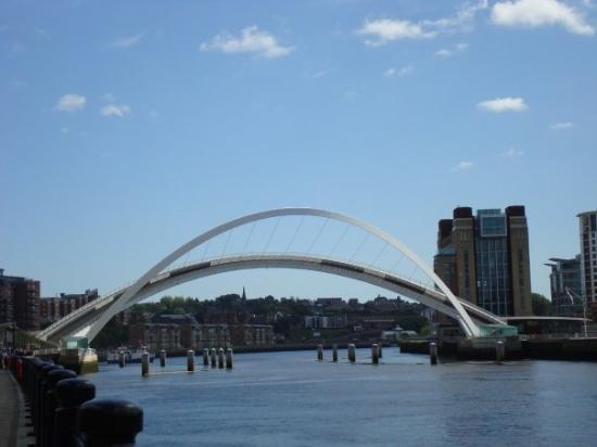 Gateshead Millenium Bridge ภาพถ่าย
