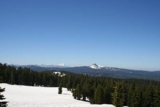 Prospect, Oregón: A view of Mt. Hood from Crater Lake.