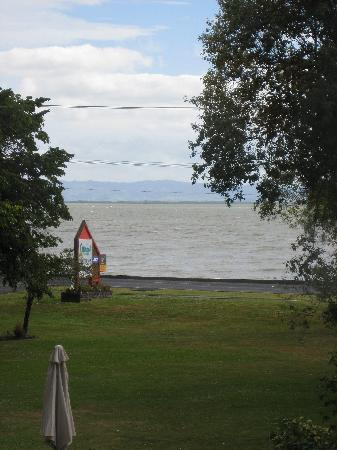 Coastal Motor Lodge: View of the Bight of Thames and front lawn