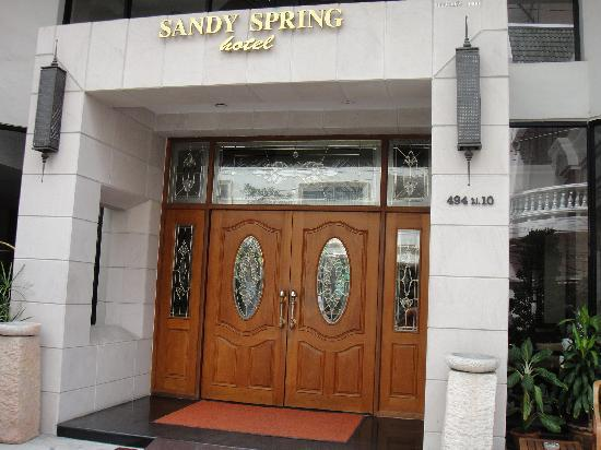 Sandy Spring Hotel: エントランス