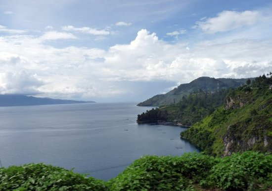 Samosir Island, Indonesia: View from the bus to Parapat