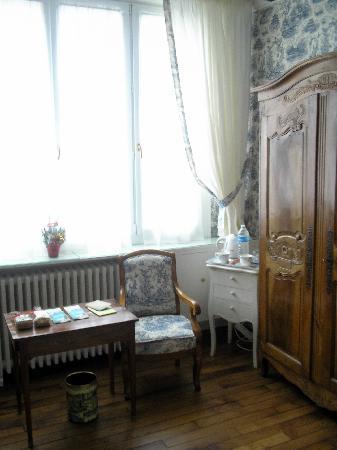 chambre bleu de chine du manoir de beauregard Paris