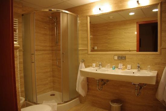 Conrad Hotel & Spa : Salle de Bain