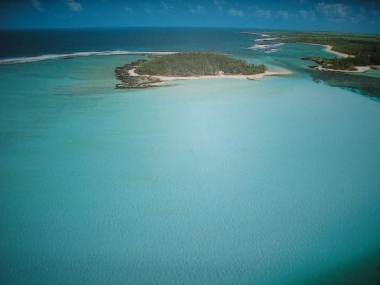 Blue Bay: AERIAL VIEW OF ILE DES DEUX COCOS, BEAUTIFUL LAGOON