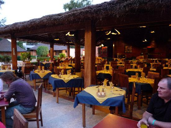 Le Saly Hotel: restaurant