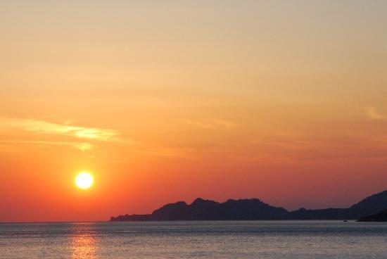 Hotel Segas: Sunset in Loutraki