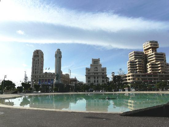 Hotel Adonis Plaza: close to the plaza de Espagna