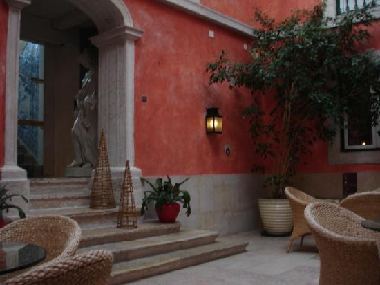 Hotel Real Palacio : le patio