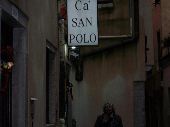 Ca' San Polo: Entrada Hotel Ca San Polo