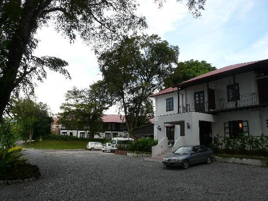 Basaga Holiday Residences: the main building