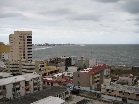 Hotel Bello: Vista a la ciudad 1 desde la habitación