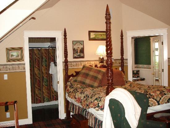 Campbell House, A City Inn: Our room