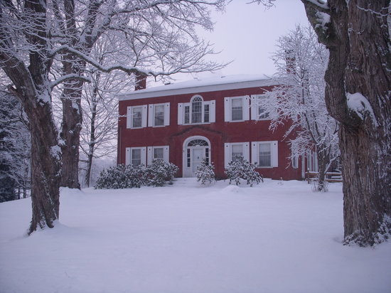 Hickory Ridge House Bed & Breakfast Inn: winter wonderland